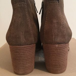Madewell Shoes - Madewell • NIB • Brenner Boot in Suede